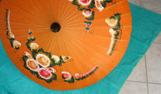 travel essentials vintage parasol | green and the cities