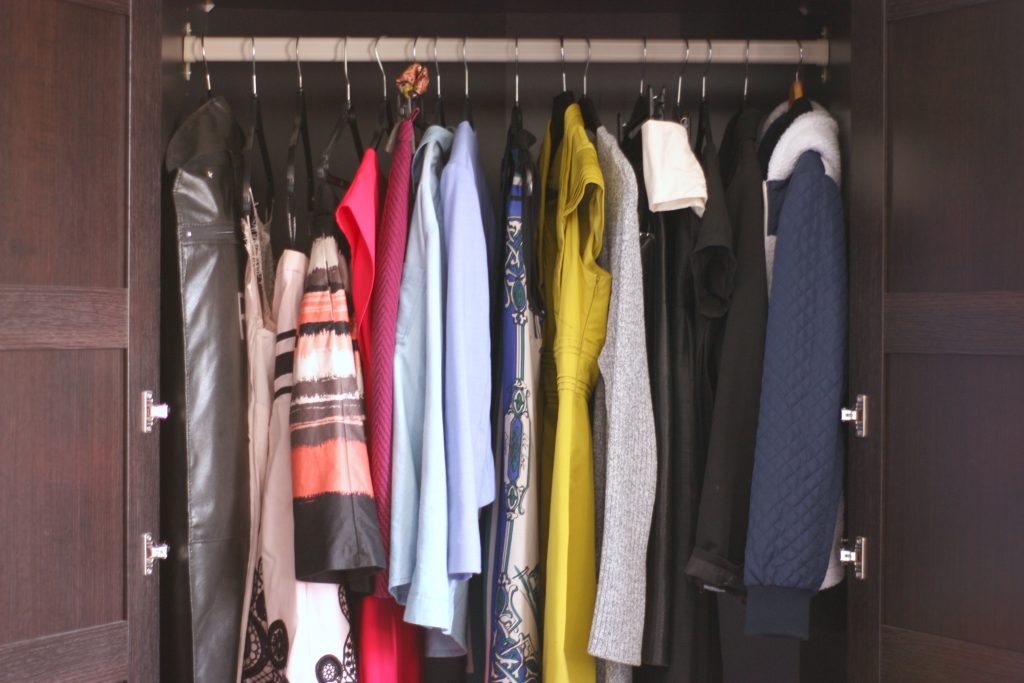 wardrobe clearout - kast opruimen | green and the cities